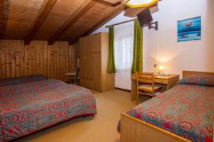 Hotel-Ristorante-Sport-Sappada-Dolomiti-sapori-unici-a-sappada-14-300x200