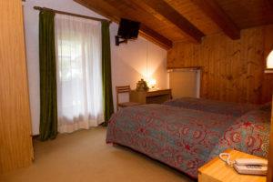 Hotel-Ristorante-Sport-Sappada-Dolomiti-sapori-unici-a-sappada-17-300x200