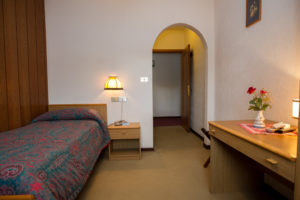 Hotel-Ristorante-Sport-Sappada-Dolomiti-sapori-unici-a-sappada-8-300x200