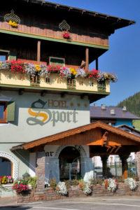Hotel-Sport-Sappada-Dolomiti-Hotel-in-centro-a-Sappada-vicino-alle-piste-15-200x300